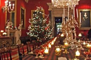 Une table de Noël traditionnelle comme la communication avec la presse